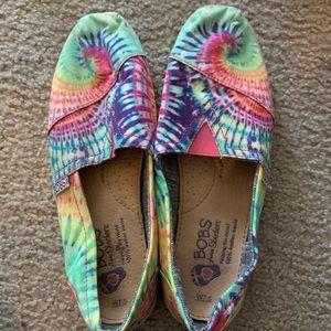 Skechers BOBS tie-dye shoes SZ 7.5